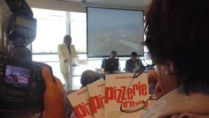 Gambero Rosso Paolo Cuccia Presentazione guida Pizzerie d'Italia cirrà del gusto 1 Luglio 2013