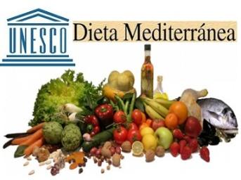 Dieta mediterranea patrimonio immateriale dell' UNESCO Dottoressa Michela de pietris nutrizione oncologica  Le Iene cura al tumore dieta vegetali Vegano Italia 1 Antonio
