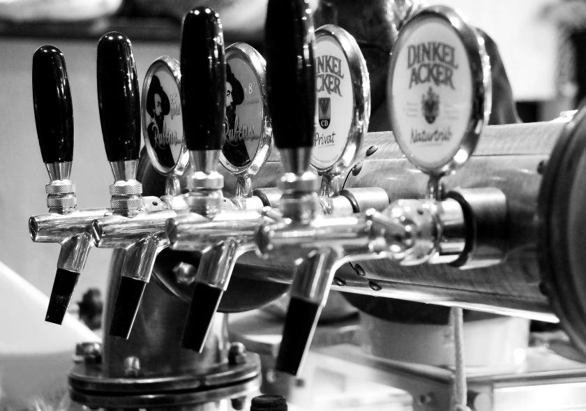 birra dinkelacker birra alla spina all'enoteca fiordigusto, volla, napoli